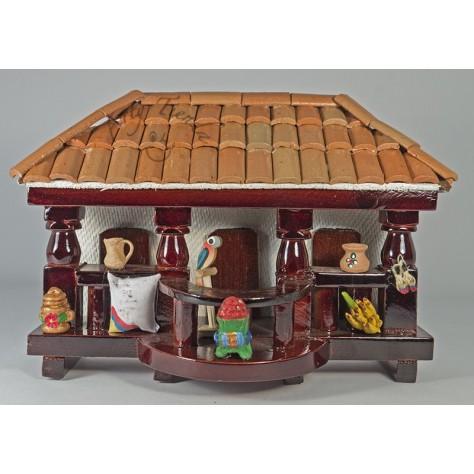 Balcón con balcón pequeño en madera y teja de barro